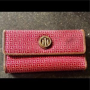 Tommy Hilfiger Ladies Wallet - New